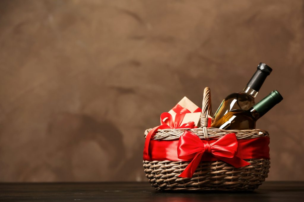 Charming wine basket